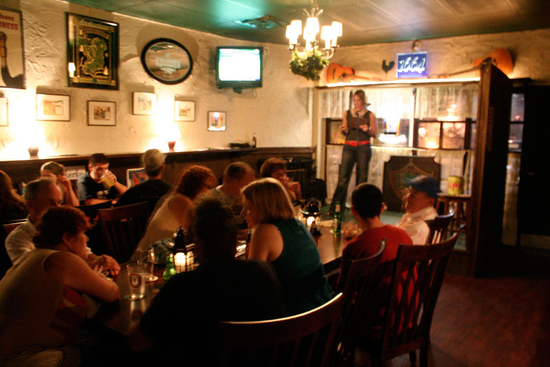Day 28 – Things to do in Sanford FL – Trivia Night at the Black Swan