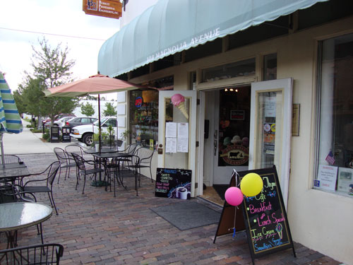 Day 308 – Ice Cream in Sanford FL at Taste of Thyme Cafe