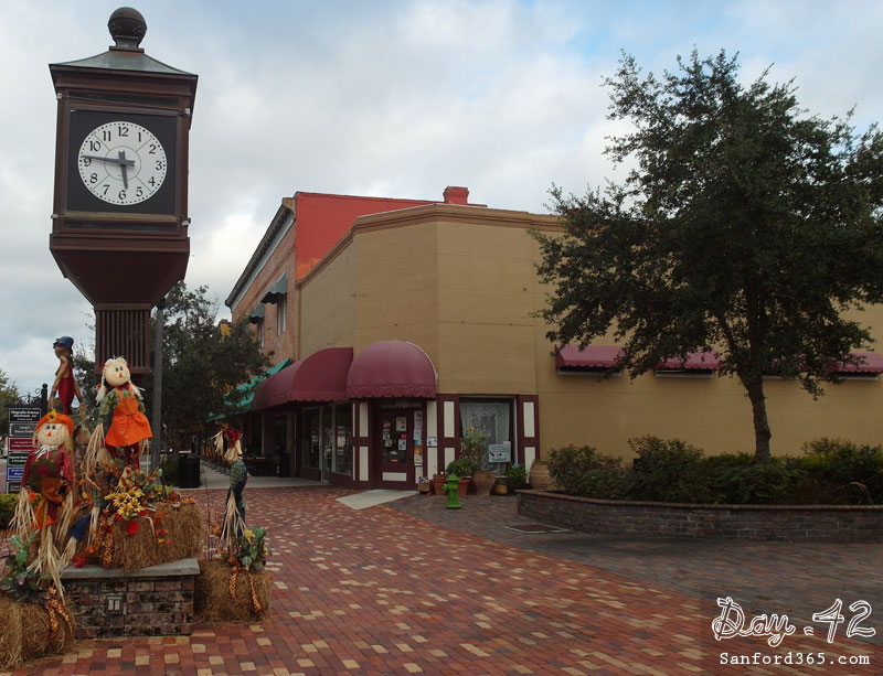 Fall Decoration on Magnolia Square Sanford