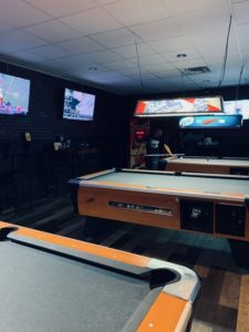 pool tables airport lanes